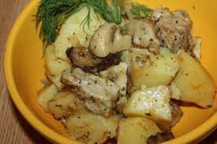 Рецепт приготовления в мультиварке свинина с картошкой