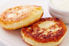 Два сырника
